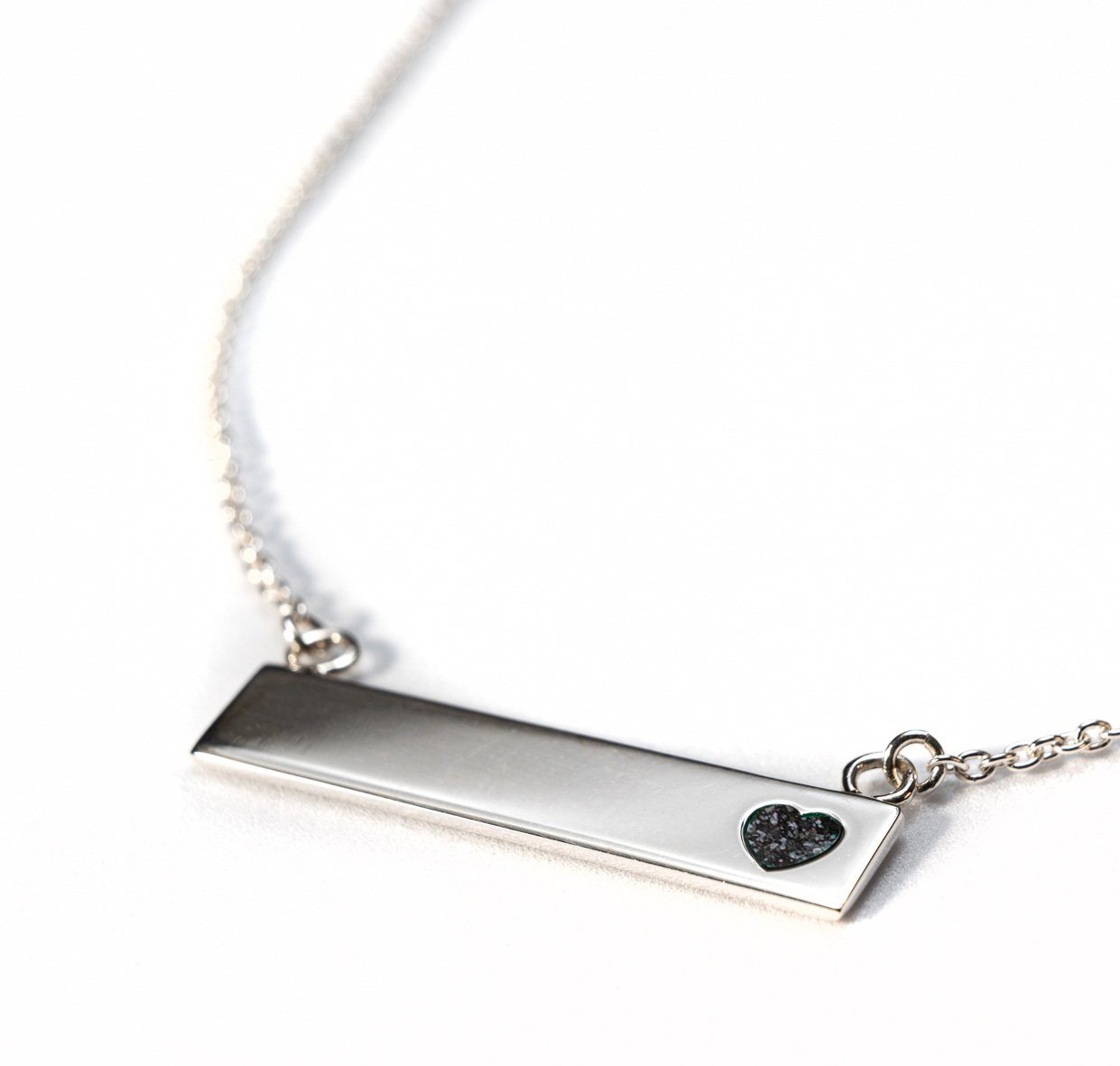 Sterling Silver Bar Necklace with Heart Everence Inlay everence.life Charcoal