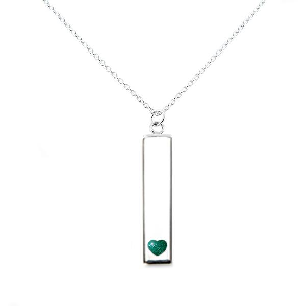 Sterling Silver Bar Pendant Necklace with Heart Everence Inlay everence.life Emerald