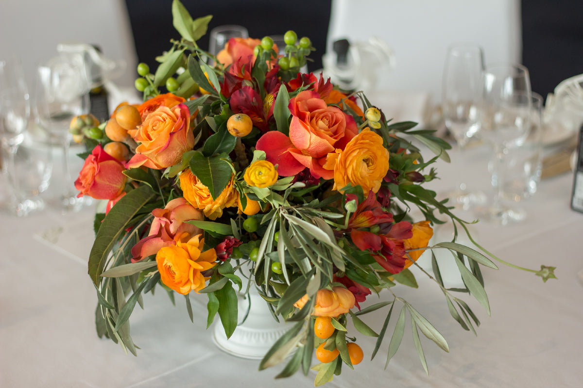 fresh flower centerpieces for dining table