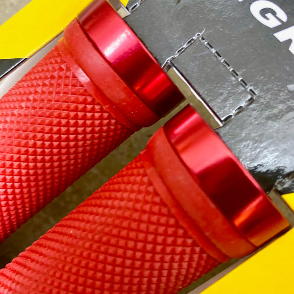 TRIGRAM - Handlebar Grips - Red