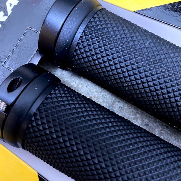Trigram Bicycle Handlebar Grips Black