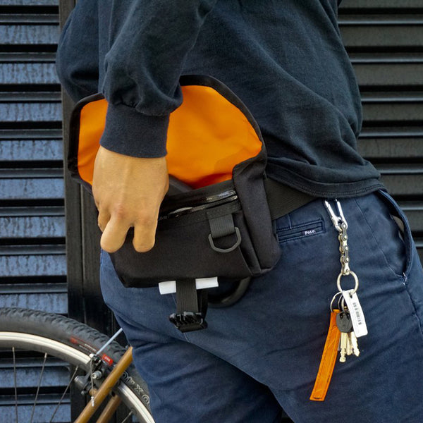 ROAD RUNNER - Waterproof Hip Bag Pro