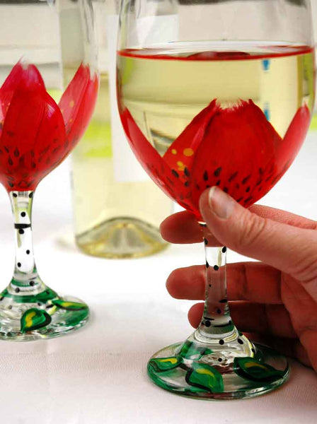 Red Daisy Wine Glass - Janelle Patterson Art