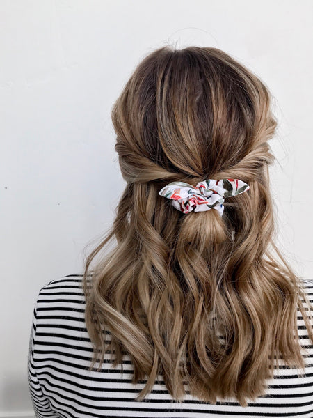 Mini Scrunchie | Winter Floral