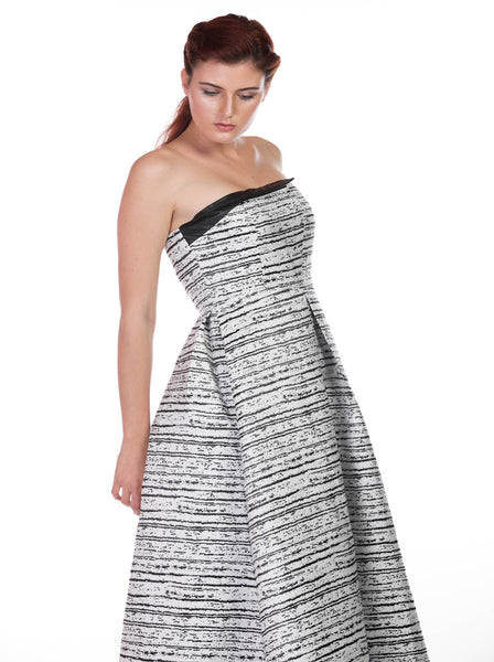 WHITE AND BLACK TUBE GOWN