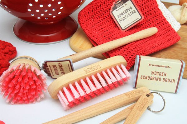 Retro Kitchen - Dish & Scrubbing Brush Set - Work Home Play