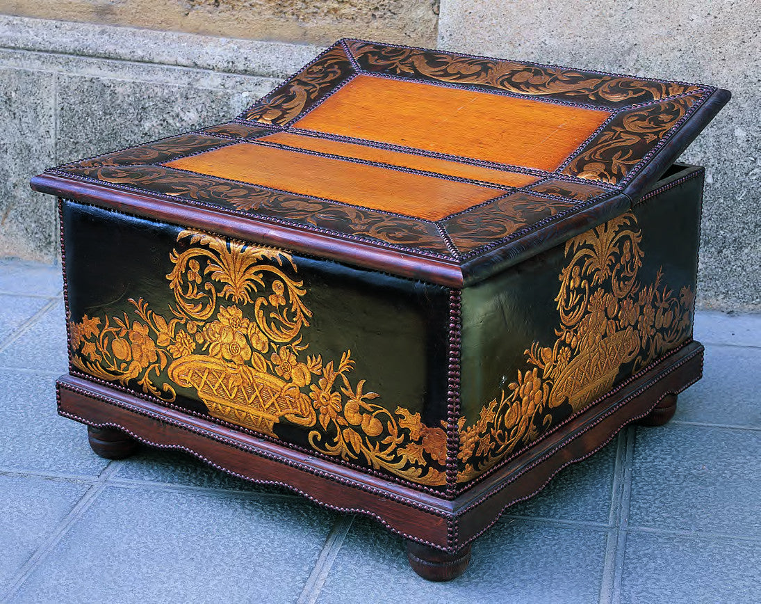 cuir de cordoue chest