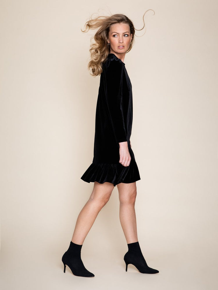 Load image into Gallery viewer, ELLA&IL EMILIE VELOUR DRESS BLACK