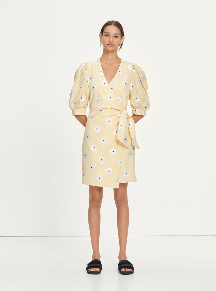 Load image into Gallery viewer, SAMSØE SAMSØE CELESTINA WRAP DRESS 13092 GUL M/BLOMSTER