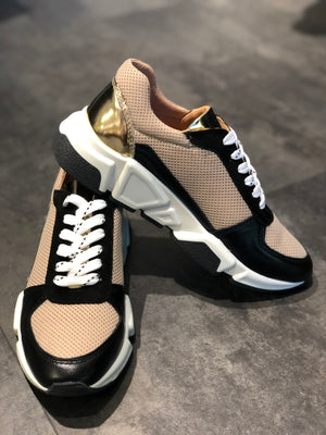 BILLIBI BLACK AND GOLD SNEAKERS SKO