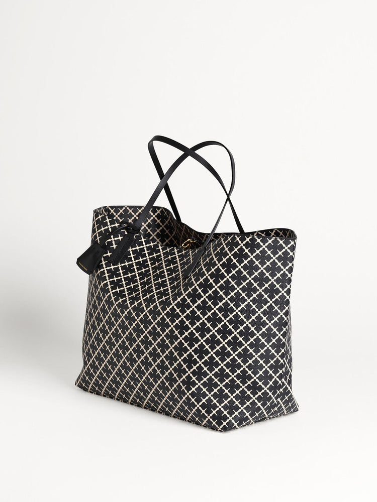 Load image into Gallery viewer, BY MALENE BIRGER ABI TOTE BAG SORT/HVIT