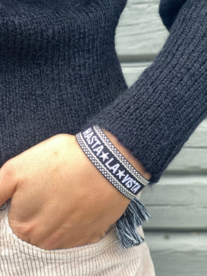 DARK WOVEN FRIENDSHIP BLACK