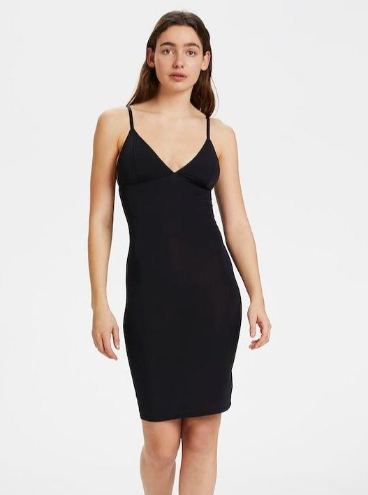 Load image into Gallery viewer, GESTUZ CAMIGZ DRESS BLACK