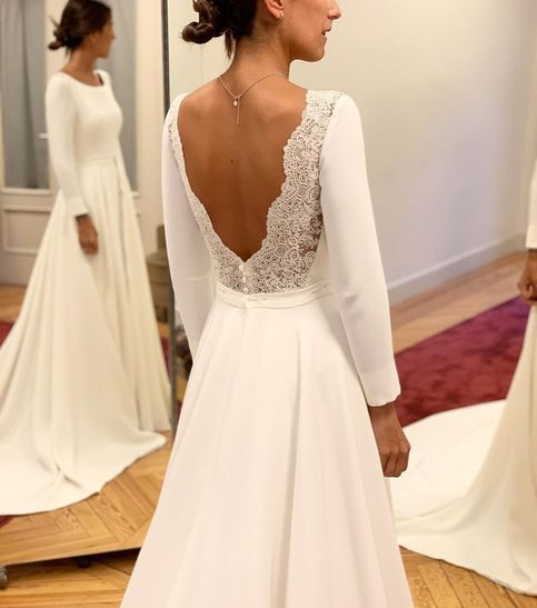 Round Neck Lace Bohemian Wedding Dresses With Long Sleeves - FlosLuna