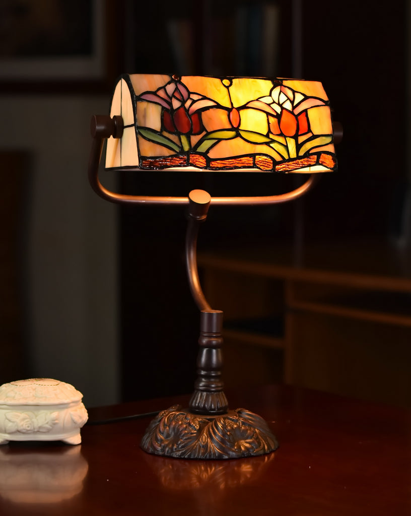 Colonial Tulip Style Tiffany Banker Lamp