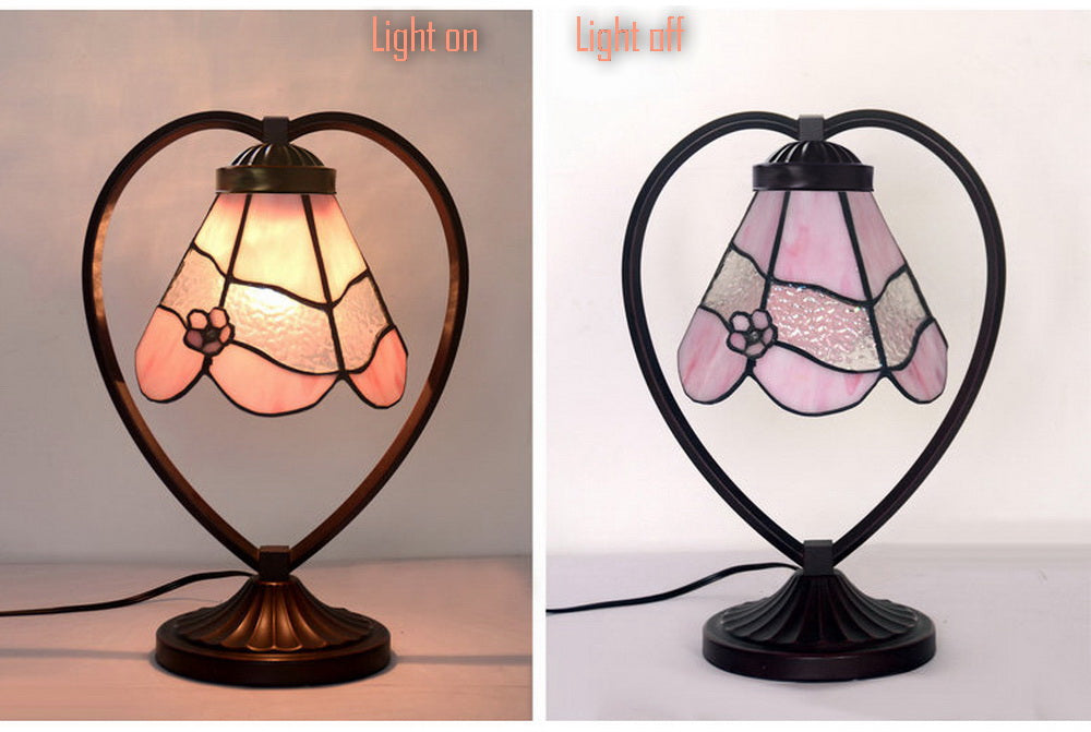 Pink Daisy Tiffany Style Stained Glass Table Lamp with Heart-shaped Metal Base