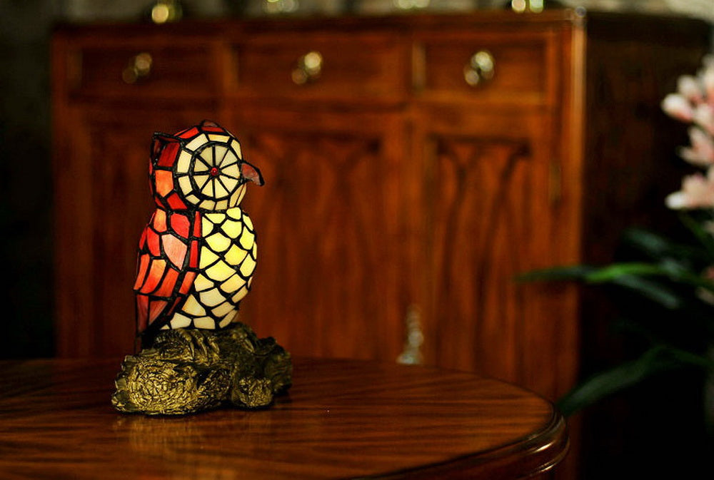 Vivid Red Owl  Tiffany Leadlight Art Deco Stained Glass Accent Lamp