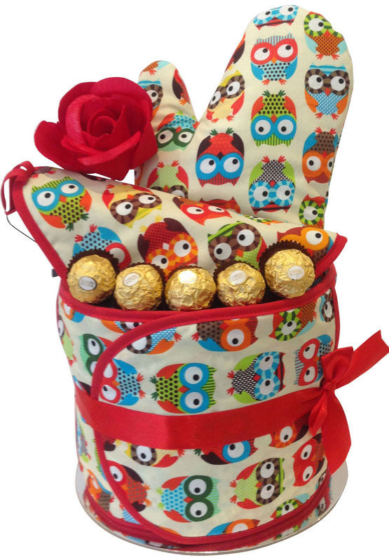 Annabel Trends Kitchen Tea Arrangement - Oven Mitt and Pot Holder