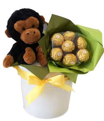 Baby Shower Basket Monkey and Ferrero Rocher