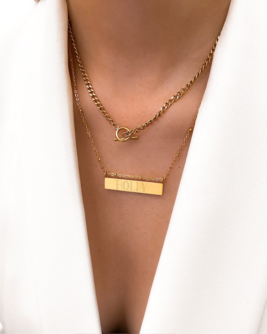 Horizontal Bar Small Curb Chain Necklace (Gold)