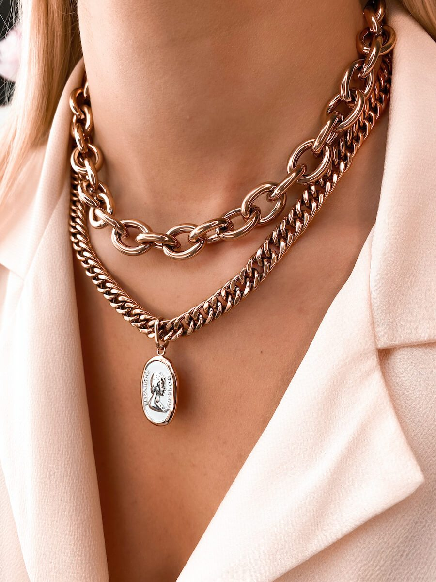 Oval Link Chain & Queen Pendant Layered Set (Rose Gold)