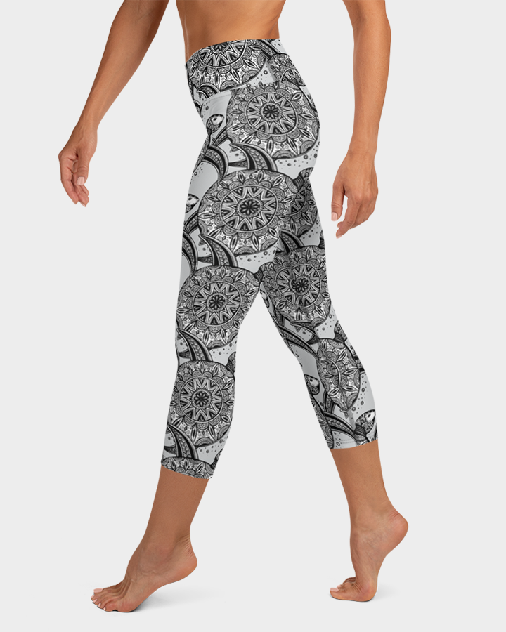 Ornamental Sea Turtles Yoga Capri Leggings