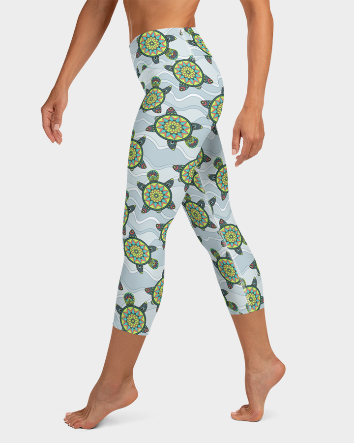 Green Sea Turtles Yoga Capri Leggings