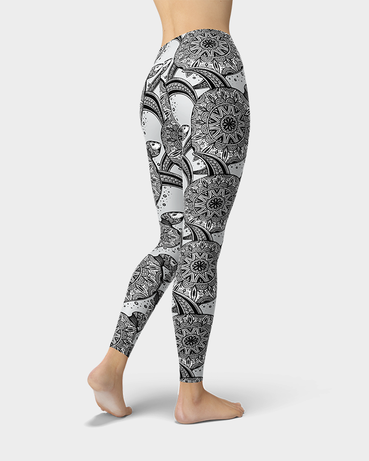 Ornamental Sea Turtle Leggings