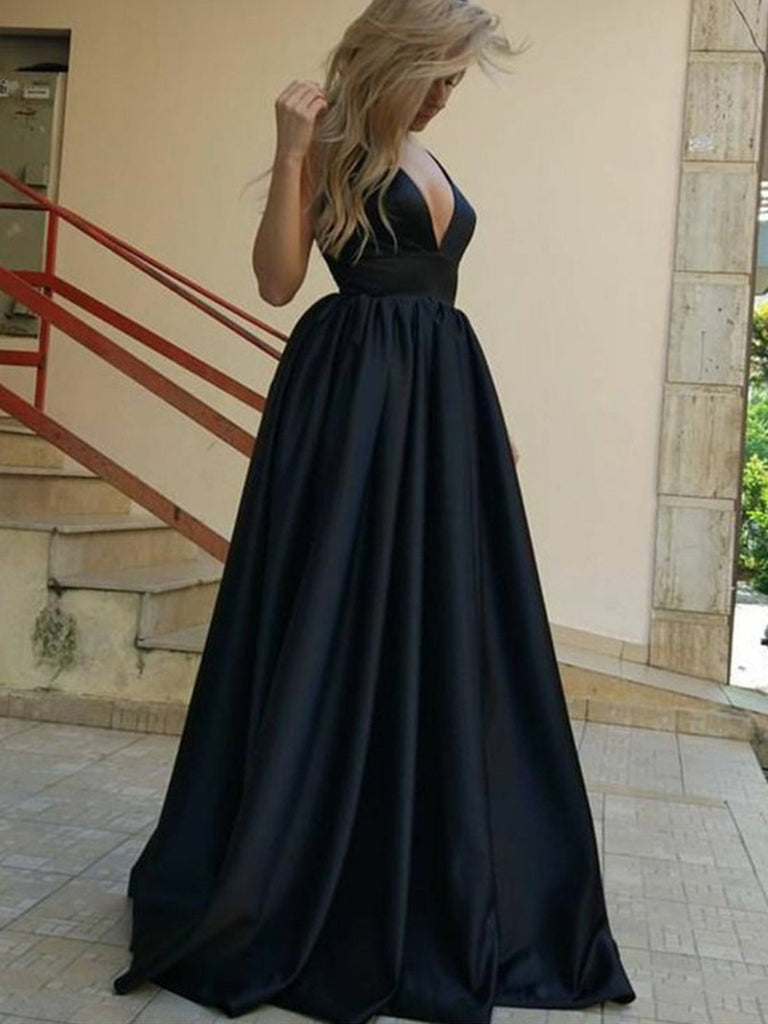 Sheath Deep V-Neck Backless Black Sequined Prom Dress With