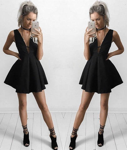 Cute A Line V Neck Black Short Prom Dresses, Black Homecoming Dresses, Black Short Formal Graduation Evening Dresses