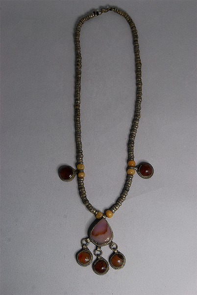Stone and bead pendant necklace
