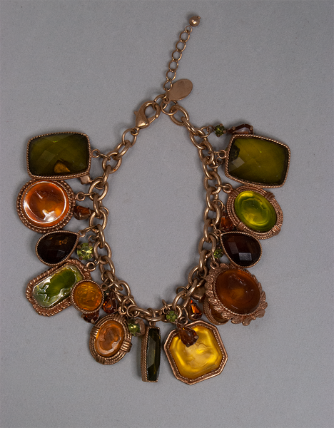 Chain bracelet with colored beads