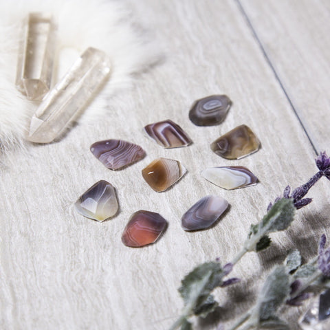 Mixed Agate Slices - Assorted Polished Colors - Set of 4 dyed Agates - Coasters - Crystal Collection
