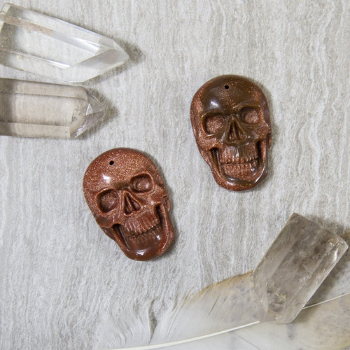 Skull Shaped Goldstone (RK90B5-03)
