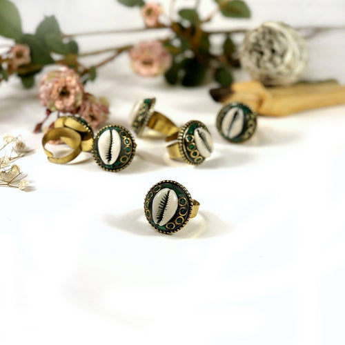Cowrie Shell with Green Mosaic Adjustable Rings (RK175B9)