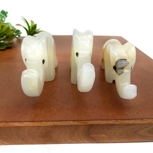 Light Onyx Elephant Shape Stone - (RK800B14)