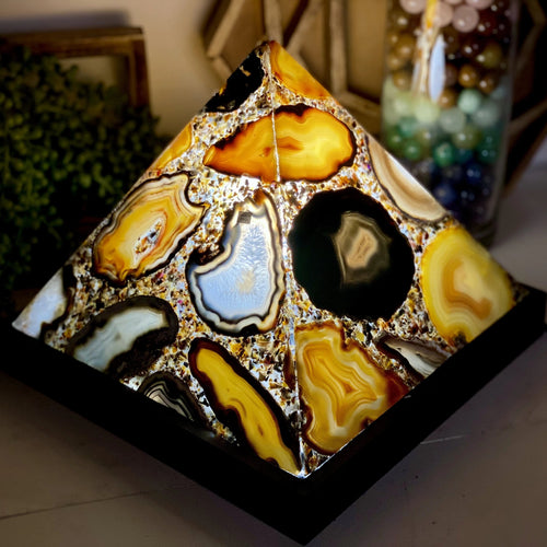Agate Lamp - Agate Pyramid Lamp with Wooden Base (LB-12)