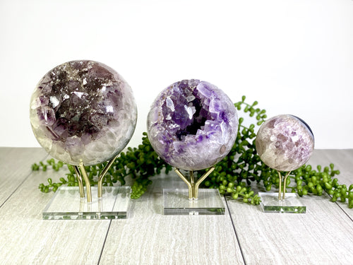 Crystal Sphere Display Stand - Acrylic Crystal Holder  (RK3024)