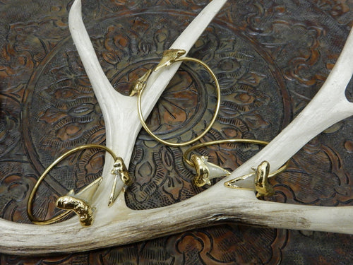 Bracelets - Double Light Shark Tooth Edged In 24K Gold On Adjustable Cuff Bracelet Of 24k Gold Electroplate - Beautiful Bangle (RK115B6-01)