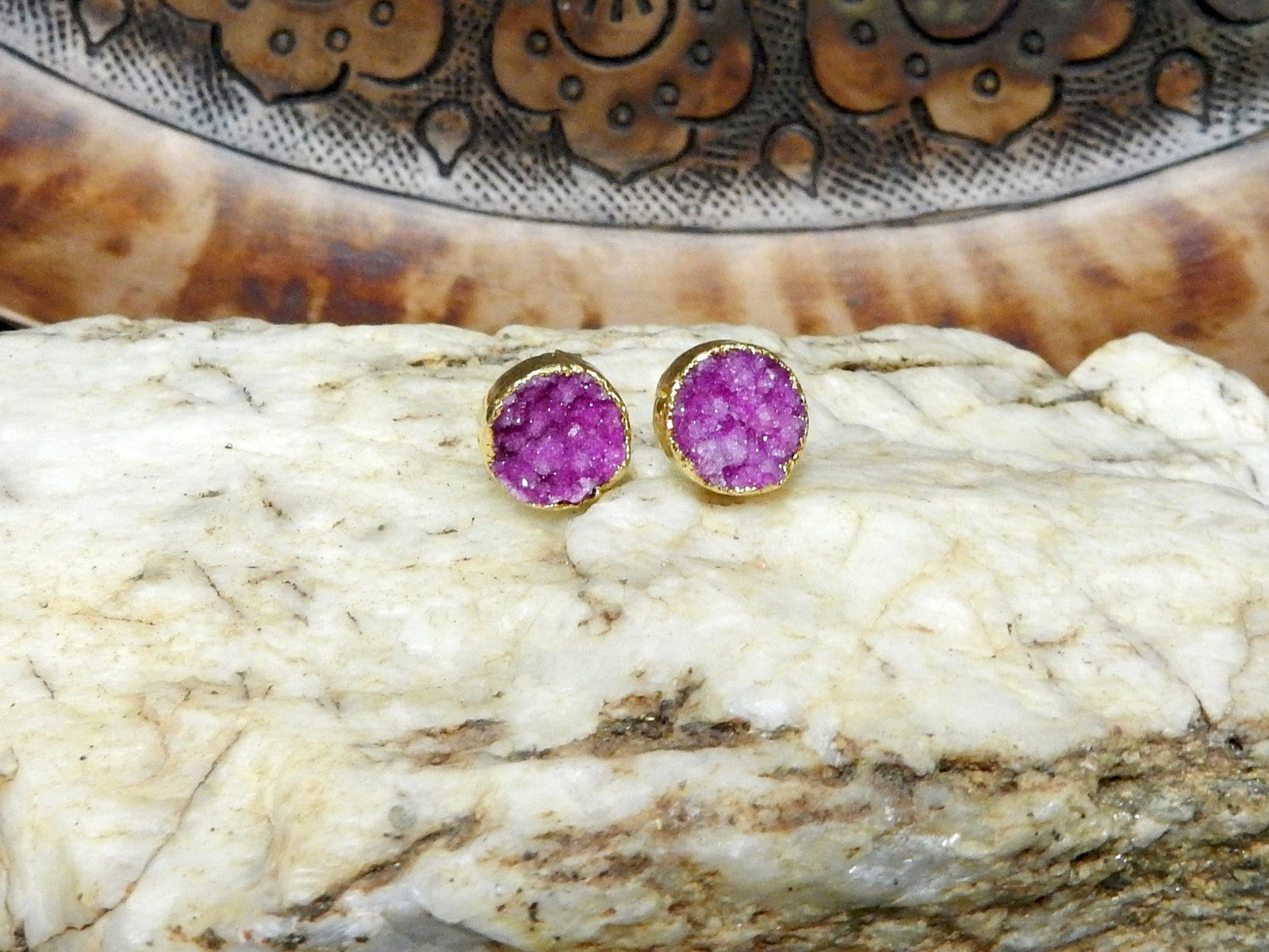 Earrings - Hot Pink Toned Beautiful Round Druzy Stud Earrings In 24k Gold Electroplated (RK114B5-06)