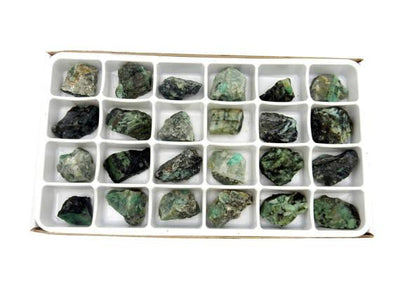 Flat Boxes - Emerald Chunk By Box - Box Of 24 Pieces HS1B2