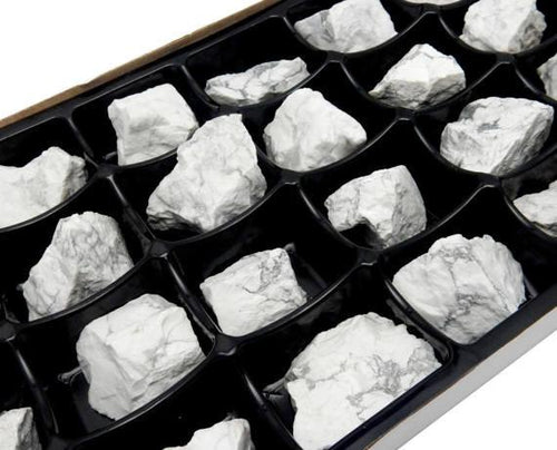 Flat Boxes - Howlite Chunk By Box - Box Of 24 Pieces (HS1B4)