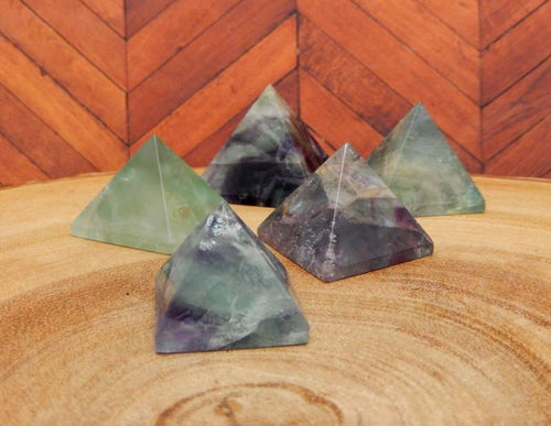 Small Fluorite Pyramid -  Rainbow Fluorite - Chakra - Jewelry Supply - Reiki - Crystal Grids (RK14B9-09)