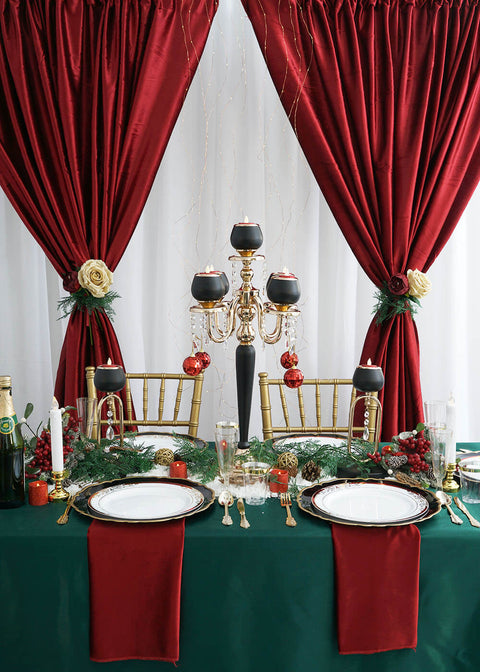 A Swoon-Worthy Christmas Table Setup to Spread Cheer & Joy