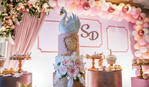 An Elegant and Serene Swan-Themed Décor for a Magical Party