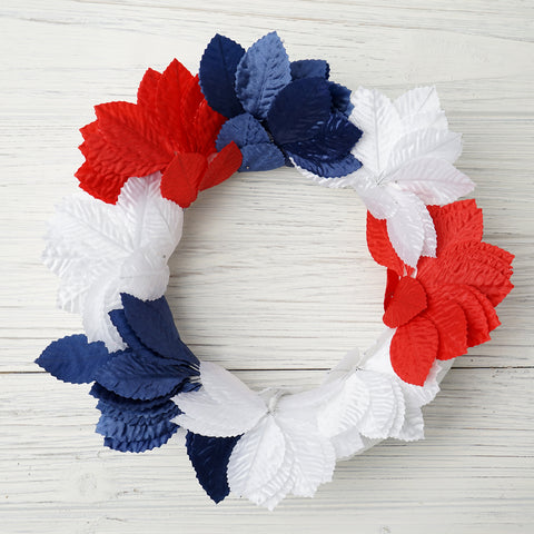Assembling an Easy Patriotic Wreath with eFavormart