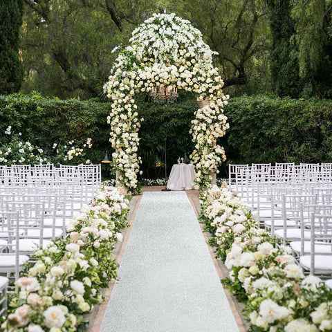 How Do You Decorate An Outdoor Wedding?