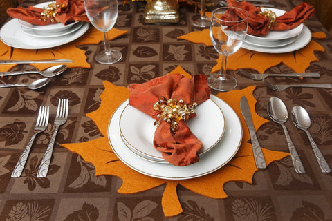 Fall in Love with These Five Fun & Fearsome Fall Inspired Place Settings