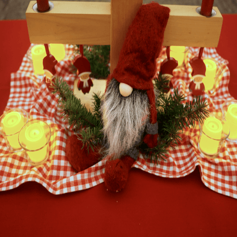 Bring the Coolness of Christmas in July with our Merry Party Ideas!