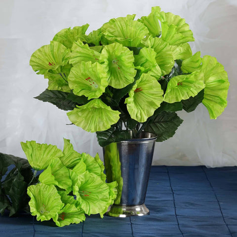 168 Splashy Petunia Flowers - Lime
